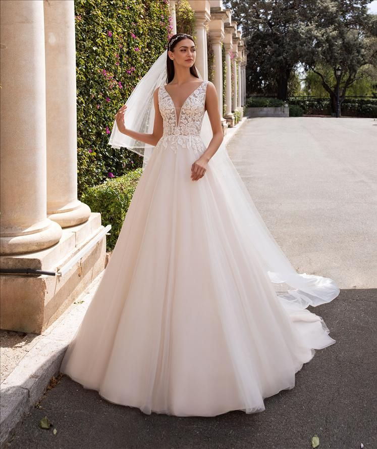 images/stories/PRONOVIAS/2020/PRON20_069